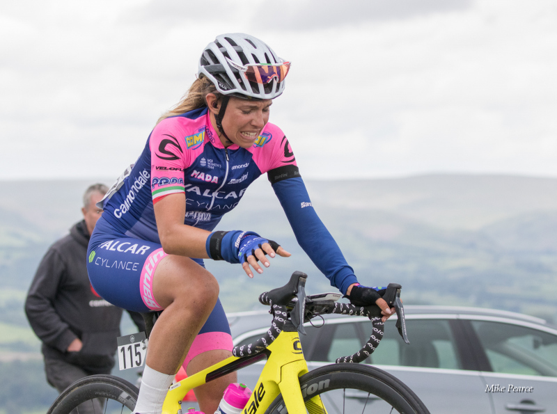 Hill climbing on Stage 5 - Rider: Dalia MUCCIOLI