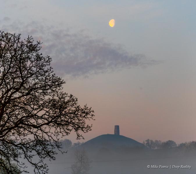 Glastonbury Tor, dawn